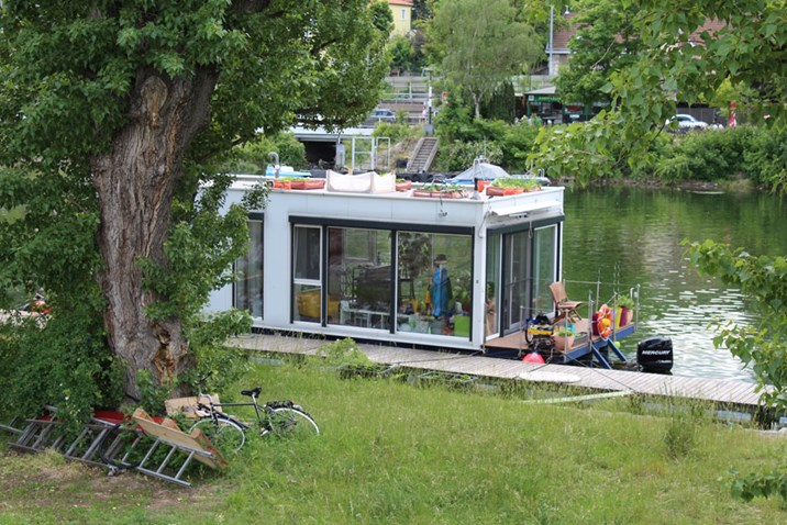 hausboote sterreicher nicht nahe am wasser gebaut wohnen in und um wien. Black Bedroom Furniture Sets. Home Design Ideas