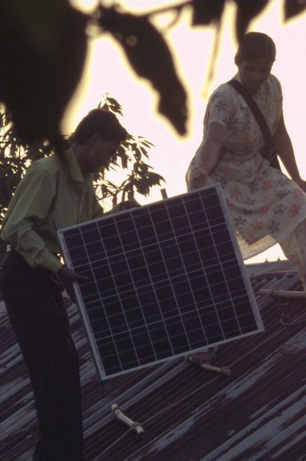 https://images.derstandard.at/t/M625/movies/2010/13750/171115133030666_14_die-4-revolution-energy-autonomy_2.jpg