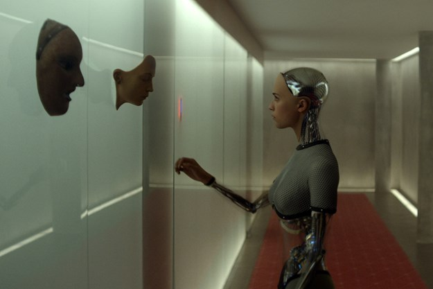 https://images.derstandard.at/t/M625/movies/2015/20092/160803223130807_9_ex-machina_aufm04.jpg