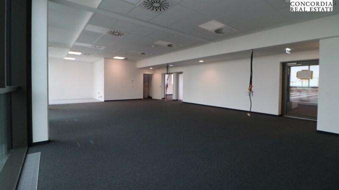 Büro und Eingangsbereich