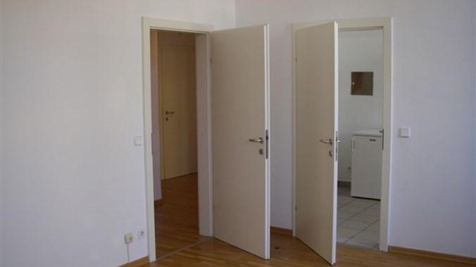 Wohnzimmer zum Vorzimmer/Küche