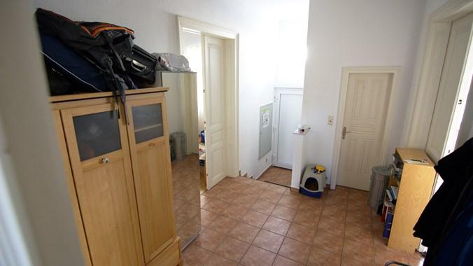 Im Schrank im Vorzimmer ist auch Platz für deine Sachen
