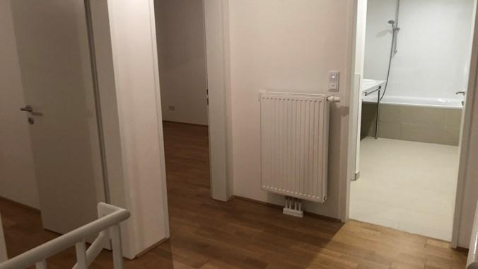 Obere Etage - Blick zum Bad und zu Schlafzimmern
